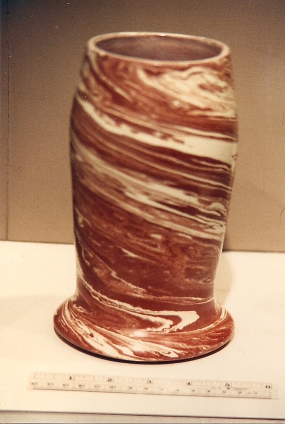 Open Swirl Container